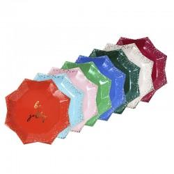 Piatti di carta colorati a forma di stella