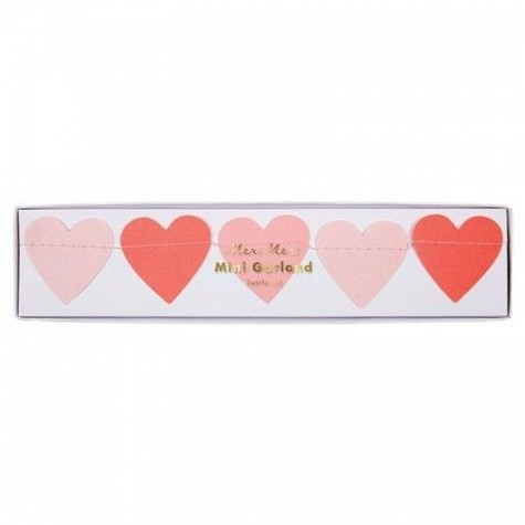 Ghirlanda di San Valentino con cuori rosa