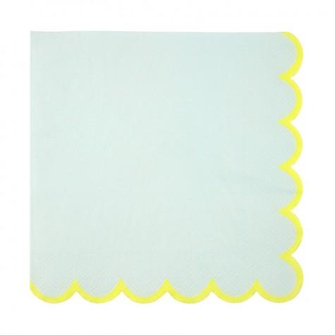 Tovaglioli di carta color menta con bordo smerlato