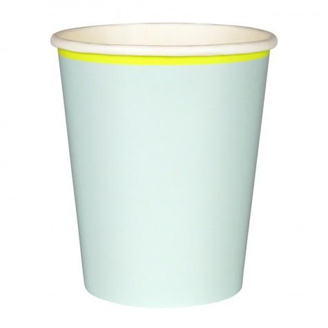 Bicchieri di carta color menta con bordo giallo