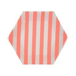 Piatti di carta con strisce color corallo