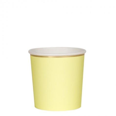 Bicchieri di carta color giallo