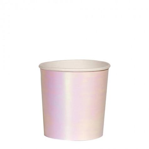 Bicchieri di carta color rosa iridescente