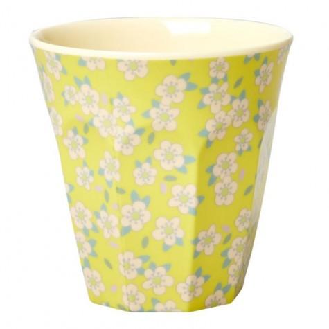 Bicchiere in melamina gialla con fantasia fiorellini