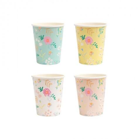 Bicchieri di carta pastello con fantasia floreale