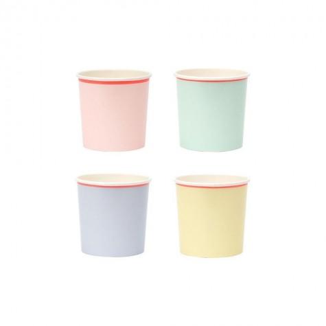 Bicchieri tumbler di carta color pastello