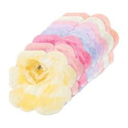 Tovaglioli colorati a forma di petali di rosa