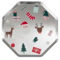 Piatti di carta con icone natalizie