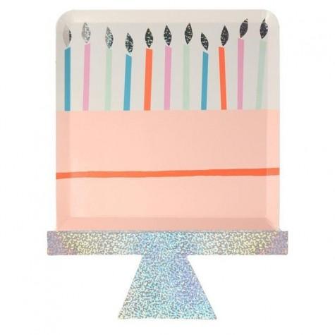 Piatti di carta a forma di torta di compleanno