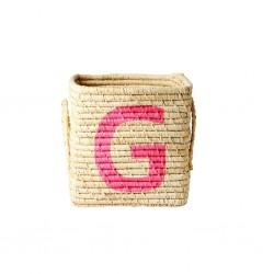 Cesto in rafia con lettera dipinta G