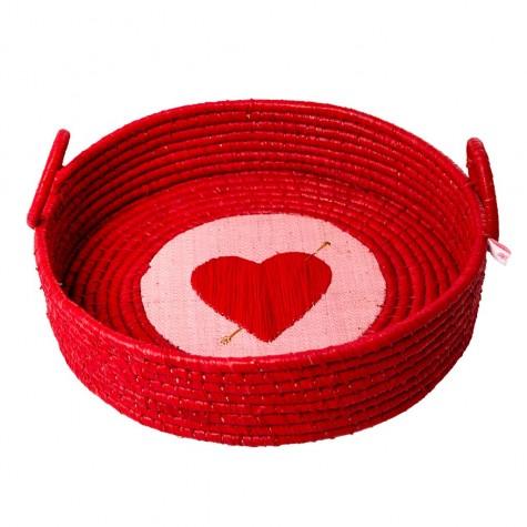 Cestino portapane in rafia rossa con cuore trafitto ricamato