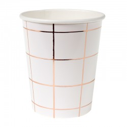 Bicchieri di carta a quadretti